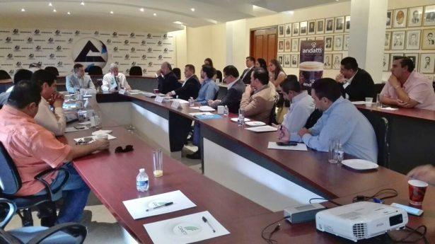 El alcalde electo Jorge Zermeño Infante se reunió este miércoles con los integrantes del Grupo Empresarial de La Laguna.