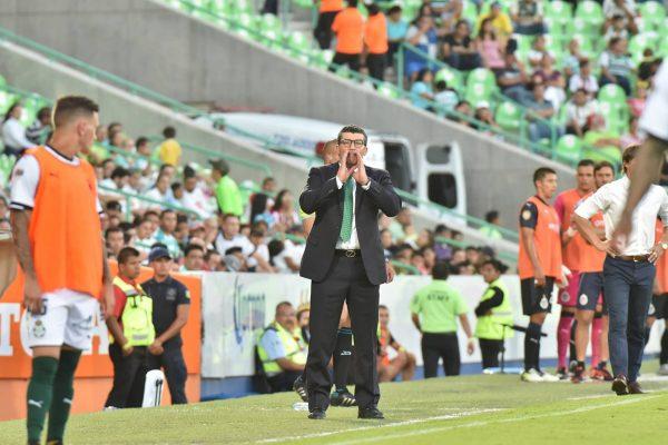 Ambos por su tercer triunfo al hilo — Chivas contra Santos