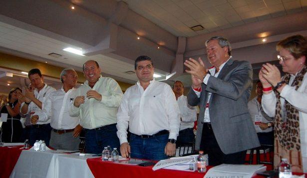 Riquelme busca los mejores presupuestos para Coahuila