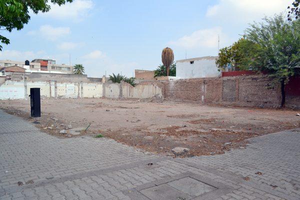 En la calzada Colón y avenida Abasolo se construirá un hotel.