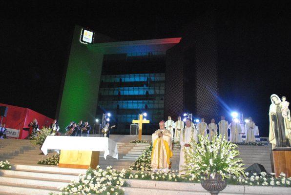 Obispo emérito oficia misa por el 110 aniversario de Torreón