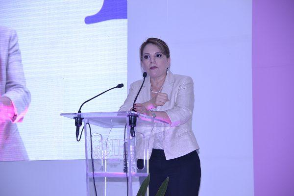 Presidenta del DIF estatal anuncia tres importantes obras en el parque 'La Esperanza'