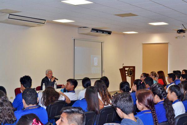 Preparatoria Venustiano Carranza celebra su 75 aniversario
