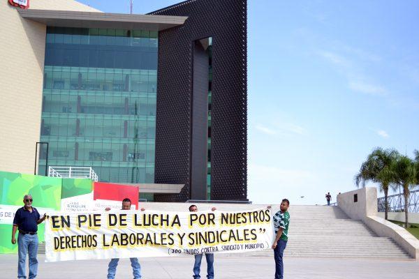Se manifiestan afectados por despidos injustificados por parte del Ayuntamiento