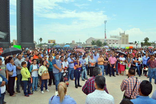 Para demostrar unidad y fortaleza, marchan empleados municipales sindicalizados
