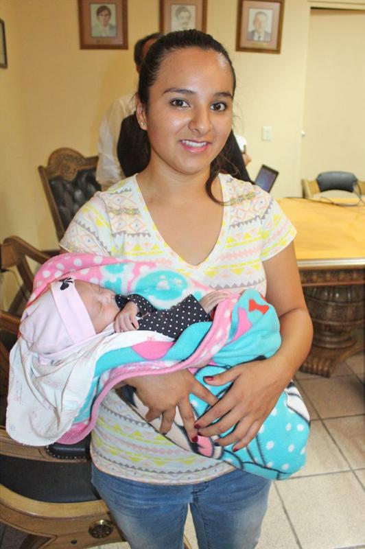 La pequeñita Alina Sofía Rodríguez Quezada cumplirá 1 mes de nacida este 15 de septiembre, sobrando los motivos para celebrar.