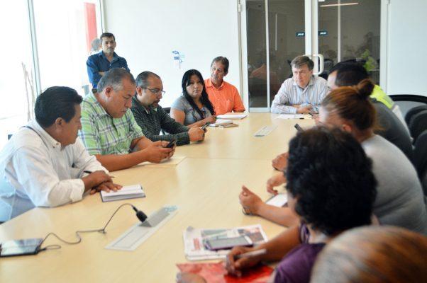 Atiende director de Obras Públicas inquietudes de antorchistas