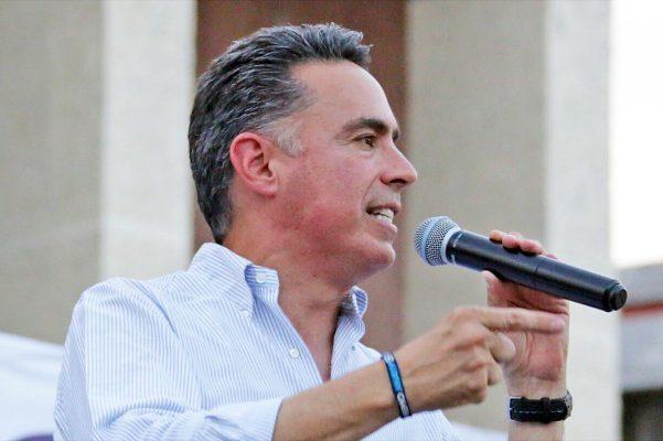 Rubén Moreira está muy nervioso, cayéndose Riquelme no habrá más protección: Memo Anaya