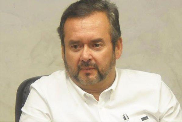 Debido a que un equipo de fumigación contra mosquitos cuesta alrededor de 14 mil dólares, se consiguió uno prestado, dijo el alcalde Gerardo García.