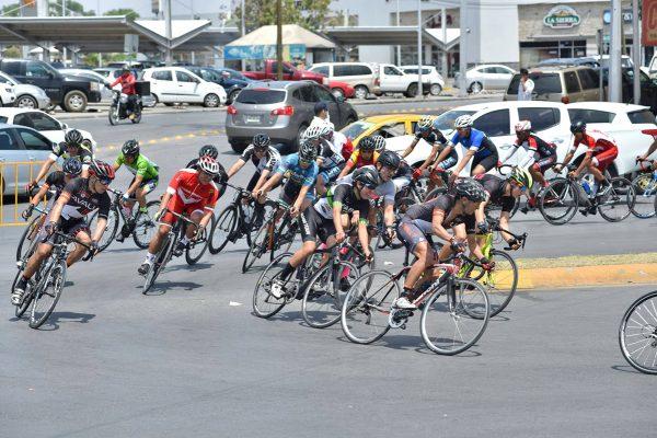 Los veteranos ciclistas siguen preparándose diariamente, para coronar su esfuerzo en las justas que organizan cada domingo.