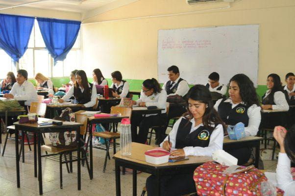 Escuela Normal de Lerdo se ubica en el 3er lugar nacional de aceptación de sus egresados