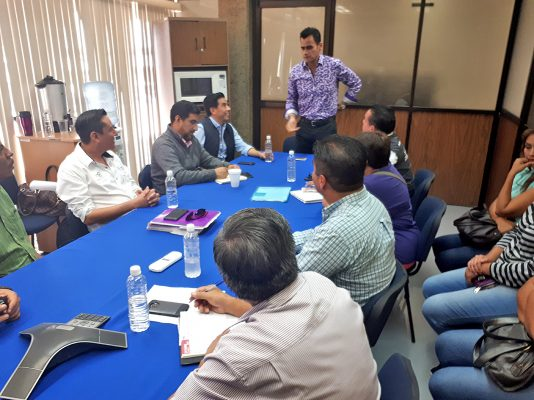 SEED e INIFED mantienen reunión con padre de familia de la Escuela Primaria 'Mariana de León Chávez'
