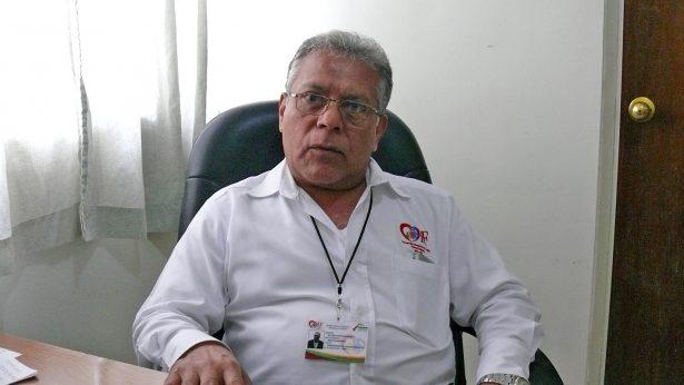 Doctor Lino Zapata, coordinador del Asilo de Ancianos del DIF municipal.