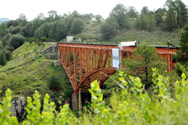 El puente ferroviario Río Chico, combina escenarios naturales de la sierra duranguense con la aventura.