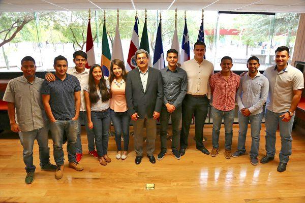 Estudiantes de UTT se capacitarán en Estados Unidos y Canadá