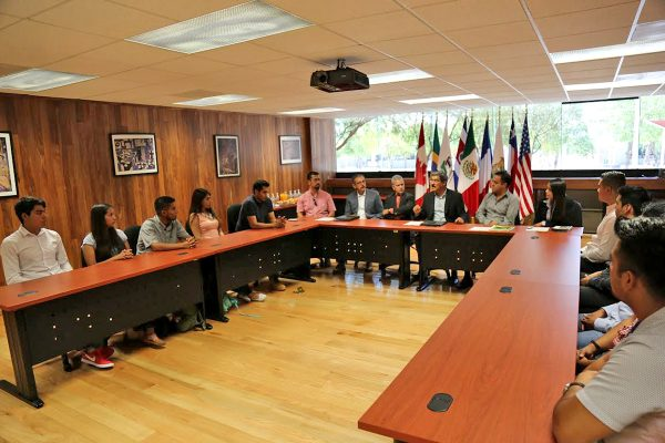 En Proyecta 100 mil fueron 10 estudiantes de UTT los que lograron obtener la beca, por lo que viajarán a Estados Unidos, específicamente a los estados de Alabama y Delaware.