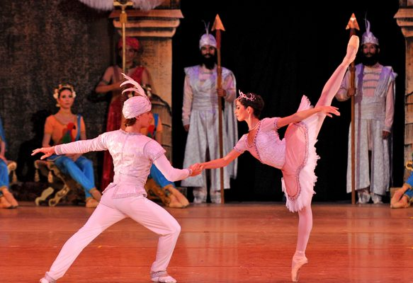 Este viernes 13 de octubre, en el Teatro Isauro Martínez se presentará como cada año La Compañía Nacional de Danza.
