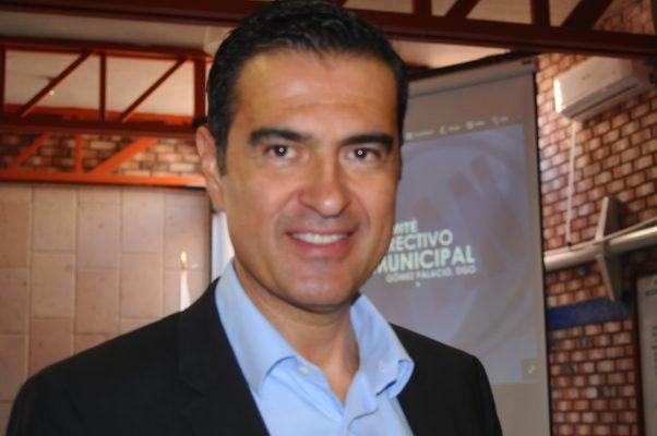 Si el servicio de taxi no mejora, UBER dejaría de ser ilegal: Augusto Ávalos