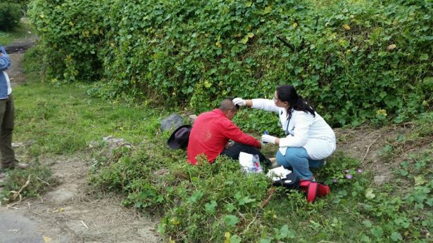 En los lugares más peligrosos también se estuvo prestando la ayuda la doctora Ely Janet Ramírez.
