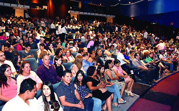 El concierto pianista celebrado en el Teatro Alvarado tuvo la respuesta esperada, dentro del Festival Internacional Revueltas 2017.