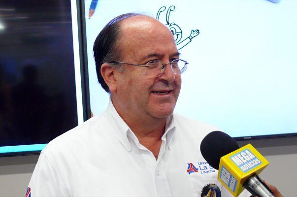 Luis Arturo Dávila de León, rector de la Universidad La Salle Laguna.