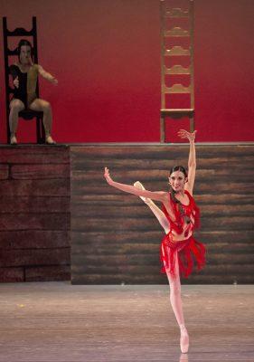 Uno de los principales propósitos de la Compañía Nacional de Danza es enriquecer el quehacer artístico, por tal motivo, realiza un esfuerzo para llevar lo mejor de su repertorio al mayor número de entidades de todo el país.