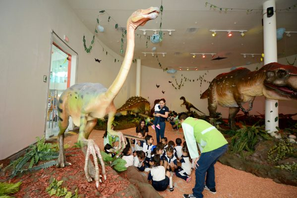 """Últimos días de la exhibición """"Aventura T-Rex"""" en el Museo Acertijo"""
