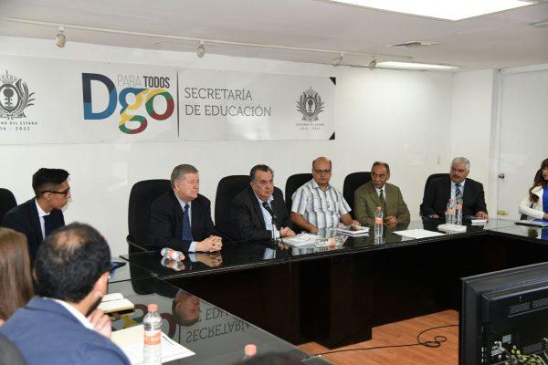 El secretario de Educación, Rubén Calderón Luján dio un mensaje al inicio de la evaluación externa del FONE.
