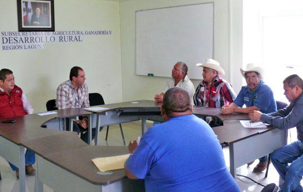 Se quejan ganaderos del sector social en SAGDR