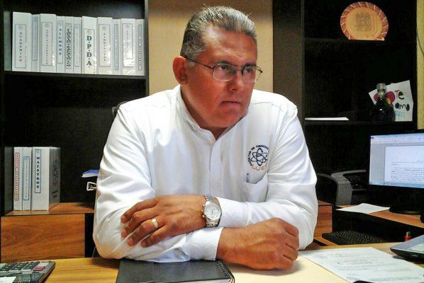 Víctor Manuel Rodríguez González, director de FCQ de la UJED.