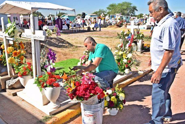 Iniciarán limpieza en panteones municipales de Monclova