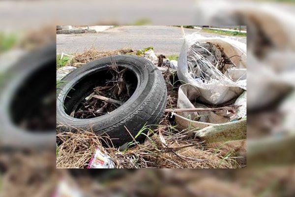 Retiran más de 2 toneladas de cacharros en colonias de Monclova
