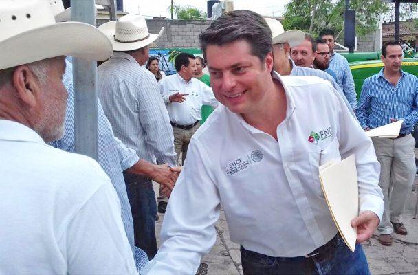 Despierta interés político visita de Enrique Martínez Morales a Monclova