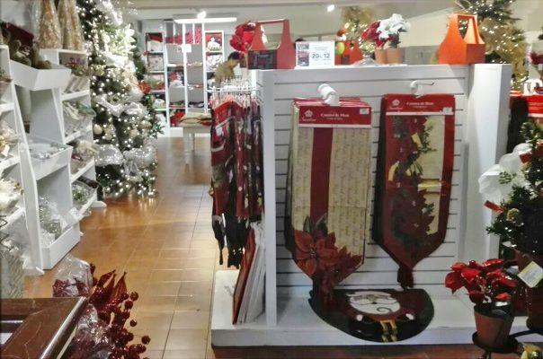El espíritu de la Navidad ya se siente en la Comarca Lagunera, al observar la exhibición de artículos en las tiendas comerciales.