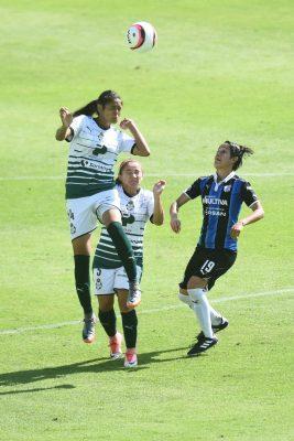 Santos femenil buscará hoy una victoria ante Necaxa y así poner fin a la mala racha de nueve partidos sin triunfo.