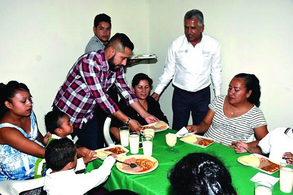 Comedor Comunitario inicia a atender a personas en vulnerabilidad en Lerdo