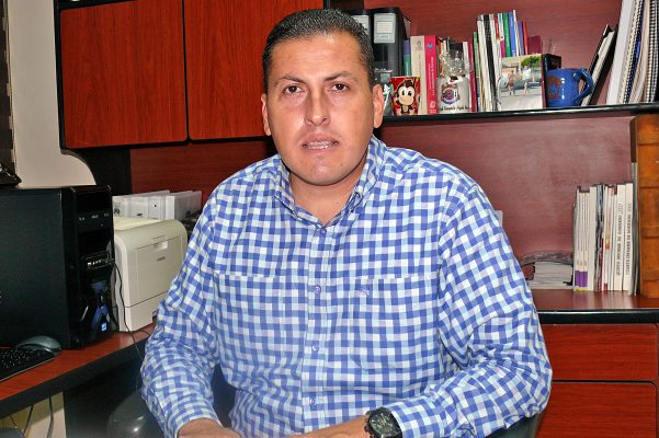 Erick Arzola, director del Instituto 18 de Marzo.