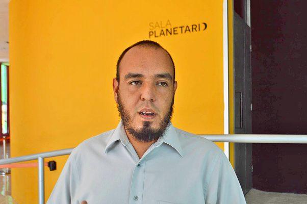 Eduardo Hérnandez, director del Planetarium Torreón.