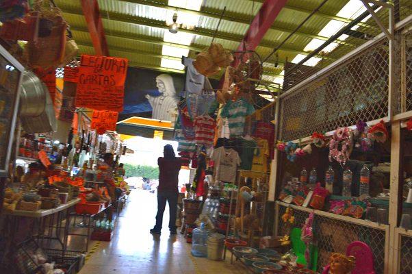 Mercado Juárez va por modernización de su red eléctrica