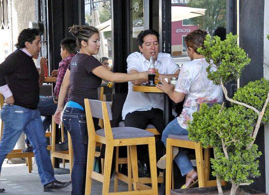 Aumenta rotación de personal en restaurantes