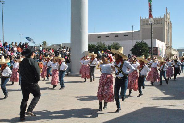 Ayuntamiento celebra el 107 aniversario de la Revolución Mexicana