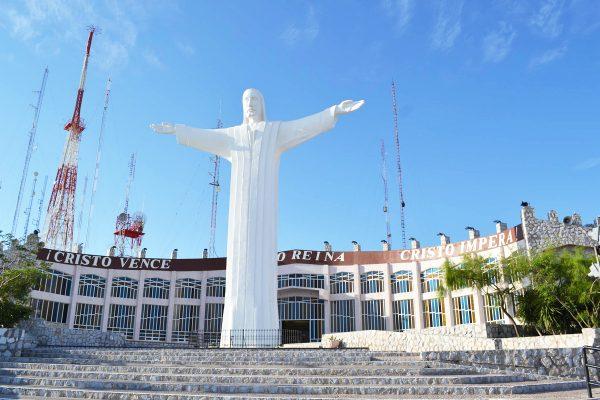 Recorren lugares emblemáticos de Torreón