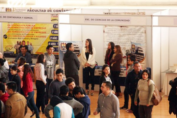 Alistan la Cuarta Expo Profesiones UA de C 2017