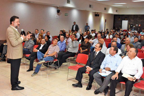 Se establece la capacitación e intercambio para mejorar el trabajo de los funcionarios