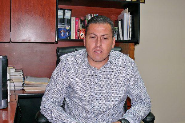 Erick Fernando Arzola, director del Instituto 18 de Marzo división secundaria y preparatoria.