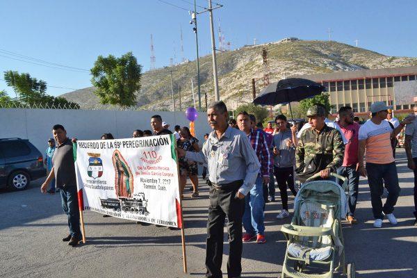 Ferrocarrileros visitan a la Virgen de Guadalupe