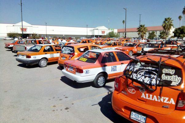 Protestan taxistas por la inequidad en transporte