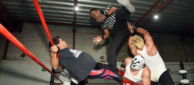 Espectacular lucha estelar en Arena La Rosita