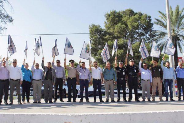 Autoridades de los tres niveles de gobierno, acompañadas de dirigentes de la iniciativa privada dieron el banderazo.