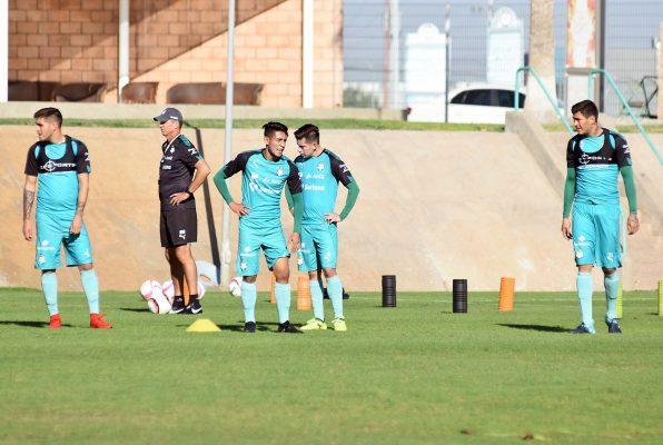 Santos buscará ganar los últimos seis puntos del torneo de liga y mejorar su posición en la tabla del descenso.